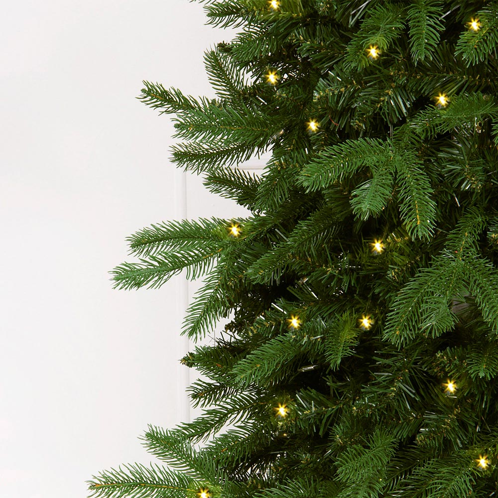 Artifical Christmas Trees.Natural Pre Lit Artificial Christmas Tree